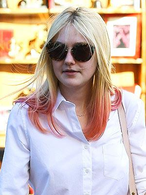 dakota fanning 300x400 Celebrity Trend: Dip Dyed Ends