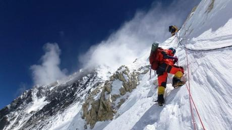 Nepal has Some Dumb New Rules for Climbing Everest in 2021