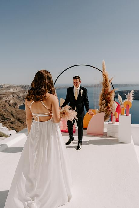 utterly-romantic-elopement-santorini-modern-details_07x