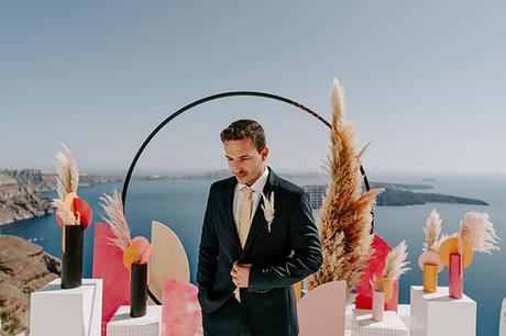 utterly-romantic-elopement-santorini-modern-details_06x