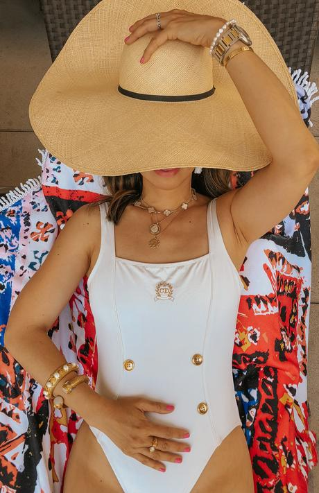 WHAT TO WEAR FOR A RESORT VACATION