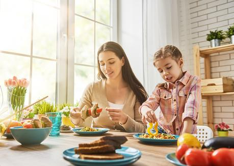 7 Easy Tips to Get Your Family to Eat Healthier