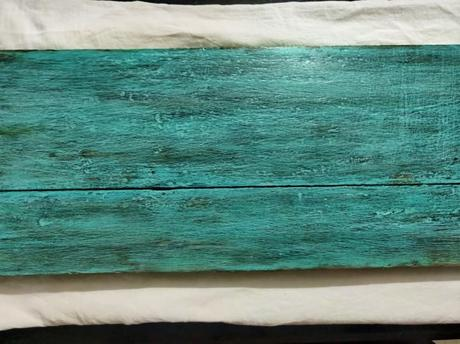 Upcycle Project: Distressed finished entryway wooden rack