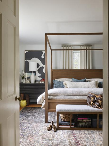 Scheming: Canopy Bedroom Makeover by Jenn O'Brien