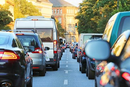 New Road Signs Urge Drivers to Stop Idling in a Bid to Reduce Pollution