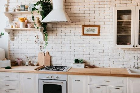 How Helpful is a Storage Unit When Renovating The Kitchen in Your Nottingham Home?