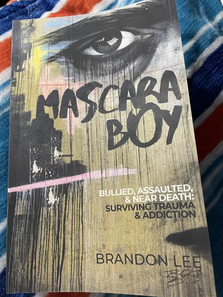 Mascara Boy
