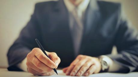 4 Reasons Why You Should Hire Seasoned Divorce Solicitors