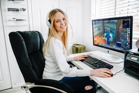 hyper x, hyper x cloud stinger core wireless headset review, girl gamer, wow girl gamer,