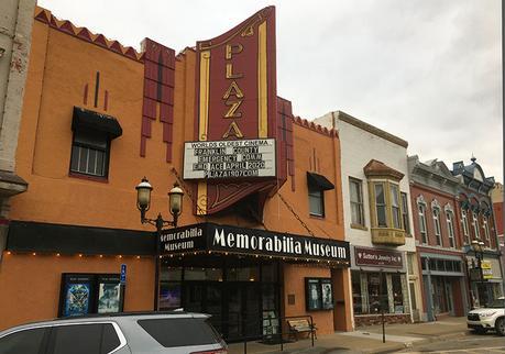 Plaza 1907 cinema in downtown Ottawa, KS