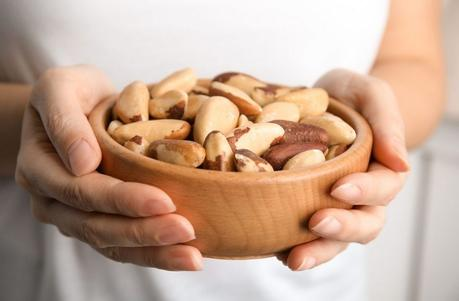 Brazil Nuts: Nutrition, Benefits and Side-Effects