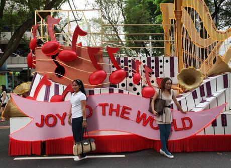 Singapore | Christmas parade floats, Christmas parade ...