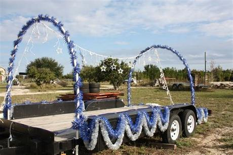 Go for this theme to emphasize a strong message of hope, blessedness and godly grace. parade float ideas | ... Holiday Parade Float. More parade ...