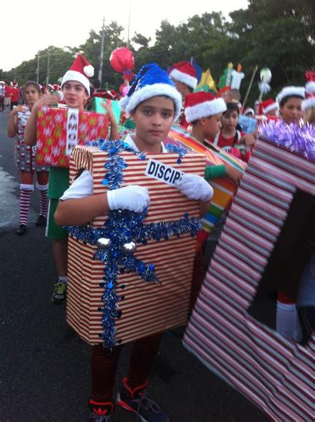 See more ideas about tropical christmas, parade float, christmas themes. christmas parade … | Christmas parade, Holiday parade ...