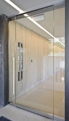 Rain glass, giving the appearance of heavy rain streaks against a window, is a current trend. Frameless Glass Door at Rs 750 /square feet(s) | ढांचे ...