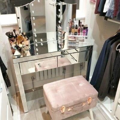 small aruba radiator in a dressing room