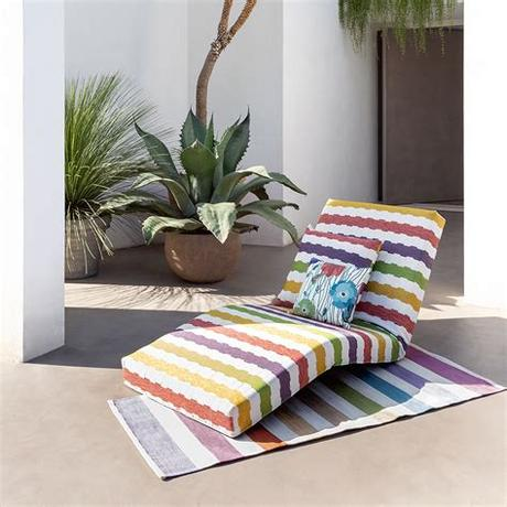 Discover the best outdoor cushions to buy in 2021 and pick up a great bargain this year! Buy Missoni Home Wien Outdoor Cushion - 100 - 60x60cm | AMARA