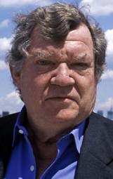 Robert Hughes, art critic & historian, dies at age 74.