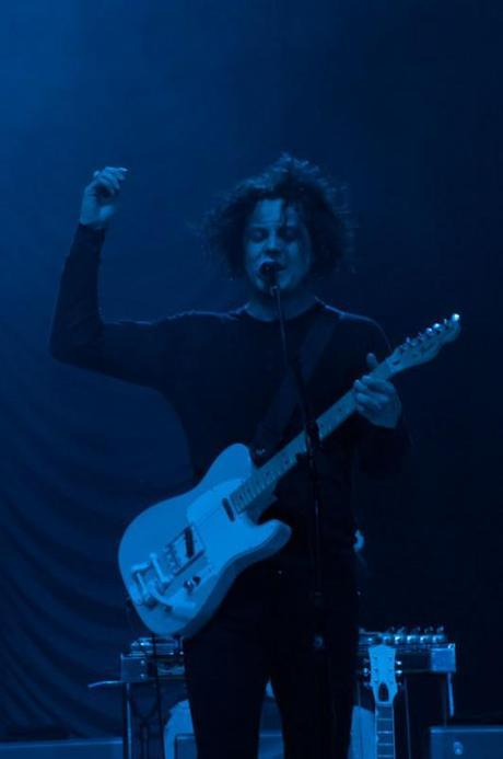 jack white lolla 1 531x800 LOLLAPALOOZA 2012 PHOTOS