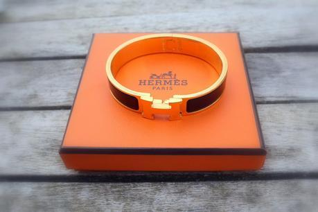 The Hermes bracelet and the Musa sandals
