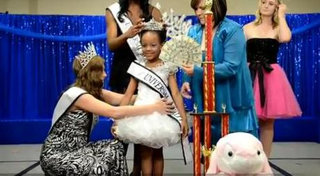 Toddlers & Tiaras: Ain't No Hairpiece High Enough, Ain't No Flipper White Enough To Keep Me From You. It's Universal Royalty's Motown Tribute!
