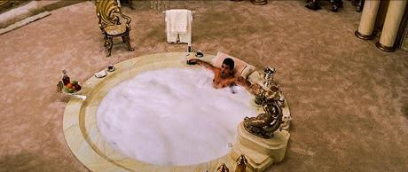 tony montana in the bath in movie scarface
