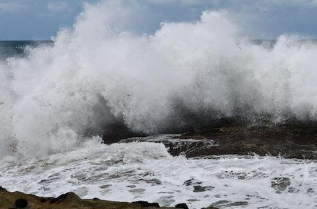 waves breaking on rocks at kilcunda beach