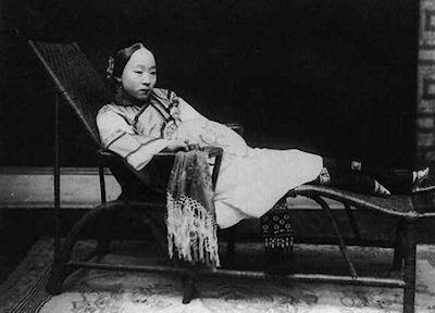 Rare Photographs Of Chinese Women From The 1800s