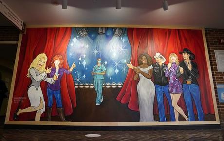CeCe Winans Featured On Mural Honoring Nashville  Nurses