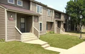 By combining the classic approach of luis bustamante and modern designs of benningen lloyd, each home is an individual experience. Countrybrook Apartments Champaign Il 1 2 And 3 Bedroom