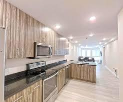 View photos of the 29 condos and apartments listed for sale in tempe az. Apartments For Rent In University Of Illinois Urbana Champaign Il 471 Rentals Apartmentguide Com