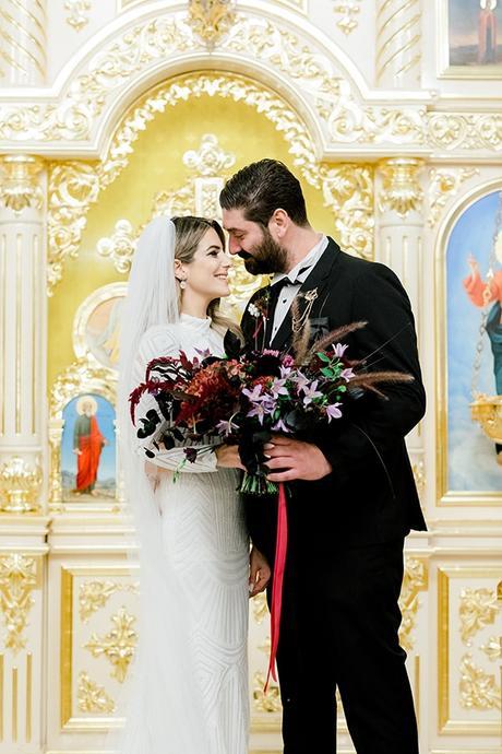 chic-moody-wedding-nicosia-llush-florals-modern-elements_30