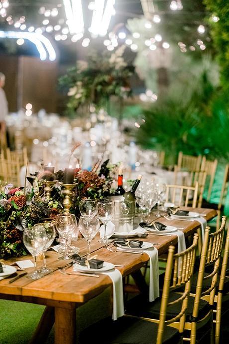 chic-moody-wedding-nicosia-llush-florals-modern-elements_35