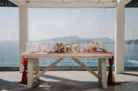 intimate-wedding-santorini-romantic-blooms-fairy-lights_11