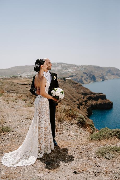 intimate-wedding-santorini-romantic-blooms-fairy-lights_02