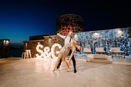 intimate-wedding-santorini-romantic-blooms-fairy-lights_41