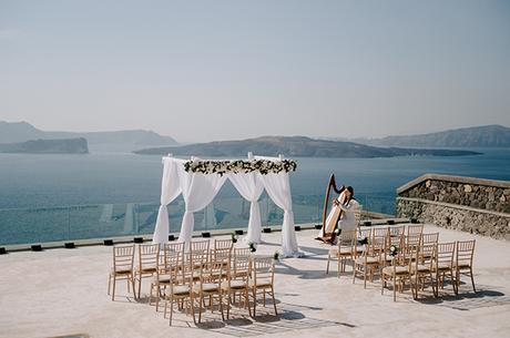 intimate-wedding-santorini-romantic-blooms-fairy-lights_13
