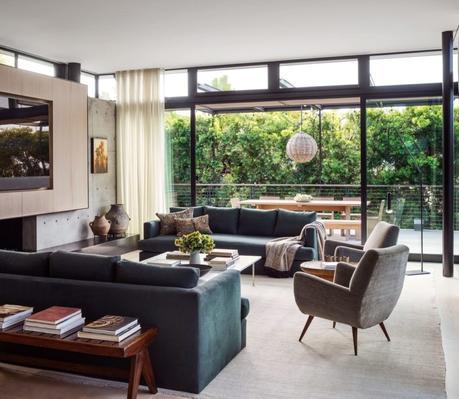 Maria Sharapova's living room
