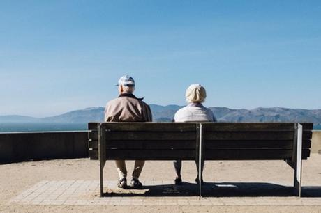 5 Factors to Consider When Looking for a Senior Care Home