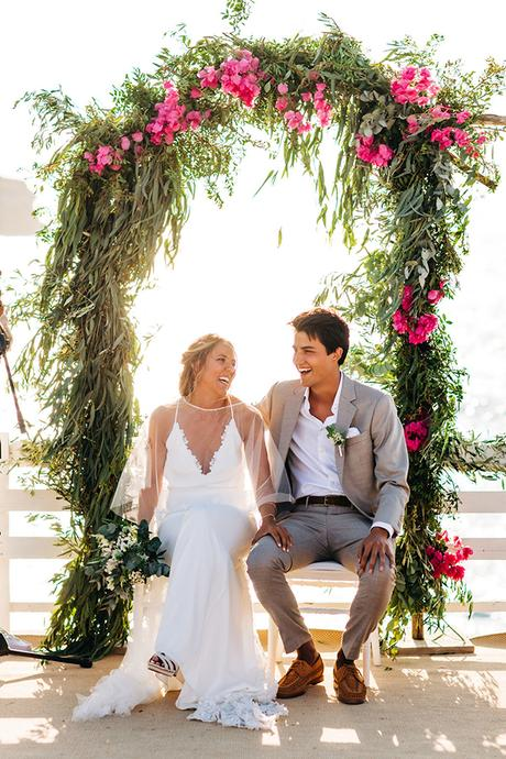summer-destination-wedding-antiparos-fuchsia-boungainvilea_22