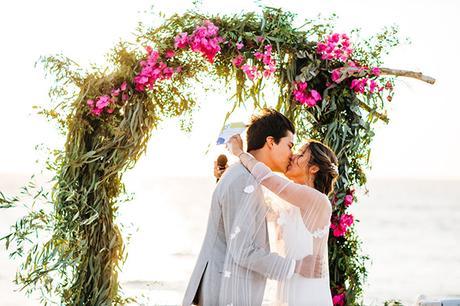 summer-destination-wedding-antiparos-fuchsia-boungainvilea_29