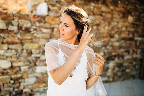 summer-destination-wedding-antiparos-fuchsia-boungainvilea_10