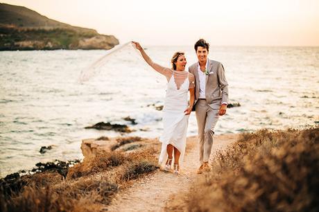 summer-destination-wedding-antiparos-fuchsia-boungainvilea_31