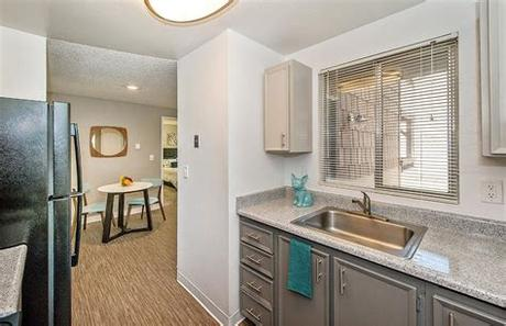 What is the average price for a 2 bedrooms + 2 bathrooms in los angeles? One Bedroom Apartments in Lakewood - James Apartments