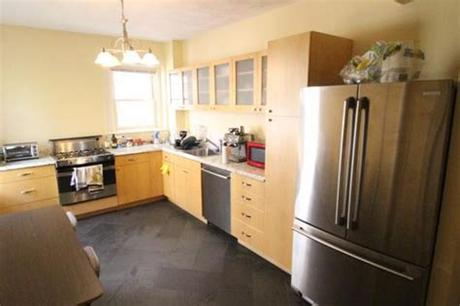 Are the suggestions given to craigslist for one bedroom apartments sorted by priority order? Five One-Bedroom Apartments for $1,700 or Less per Month