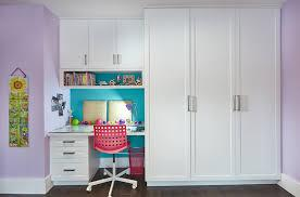 Built in cabinets are great for storage in your living room, kids room, bedrooms or any other space in your house that could use some organization. 2 Clever Kids Bedroom Built Ins That Maximize Storage Space