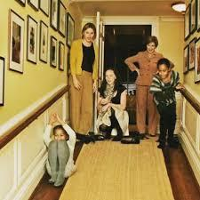 Most presidents historically order new features added to the white house, like new rooms or new walls. Jenna Bush Hager Showed Obama S Kids Around The White House Popsugar Family