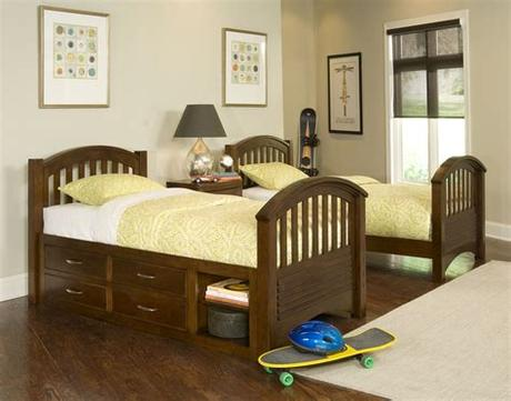 Most hotels want most of their rooms to fit at least one king/queen bed or two twin/queen beds. Contemporary Children Twin Beds with Storage - HomesFeed