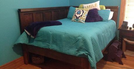 Corner Queen Size Bed - Using 2 Old 5 Panel Doors ...