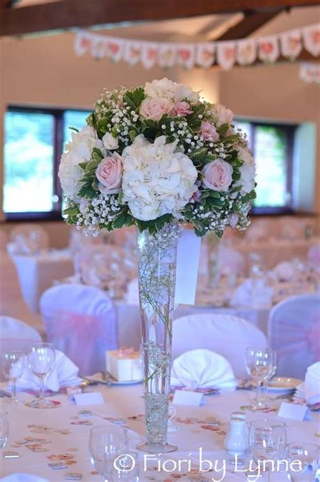A monochrome or single bloom arrangement of white tulips, poppies or anemones can create a minimalistic the first installment in our wedding flowers by color series, this wedding flower guide brings you the essential info for planning your white wedding! Wedding Flowers Blog: Laura's Romantic Pink and White ...